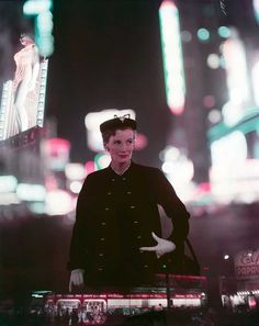 Norman Parkinson - Wenda Parkinson, Times Square - Photos - Photohab - Photographer's Portfolios #fashion #photography #inspiration