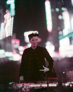 Norman Parkinson - Wenda Parkinson, Times Square - Photos - Photohab - Photographer\\\'s Portfolios