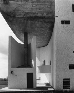 mymoose:Ronchamp, Le Corbusier #minimal #architecture #white #minimalist #lines #concrete