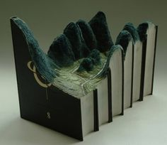 Book sculptures - Wall to Watch