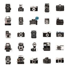 Untitled / rougerouge picture on VisualizeUs #white #design #cameras #black #hasselblad #photography #vintage #and #rolleiflex