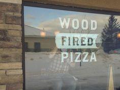 Boomer Pizza on Behance #interior3