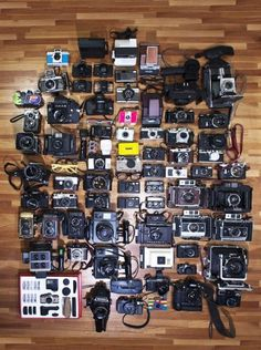 tumblr_lf9kt3Dzh81qzg10fo1_500.jpg 477×640 pixels #cameras #photography #vintage #alot