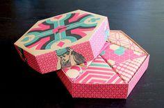 Journey to Wonderland Tea Packaging