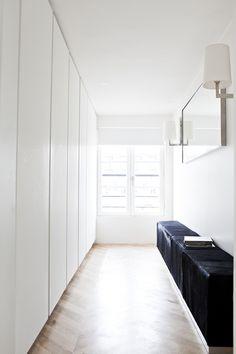 #Walkincloset. #AppartementPoissonniere by #FredericBerthierArchitecture. Photo by #BenoitLinero. #appartementpoissonniere #closet