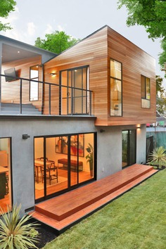 Oleander House / Molina Design and L.A Green Designs