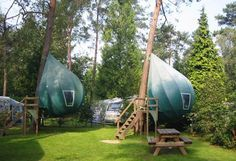 Looking for camping with luxury, nature and beauty in mind, these hanging tree tents shaped like dew-drops are just right for you! #design #camping #travel #product #industrial #outdoor