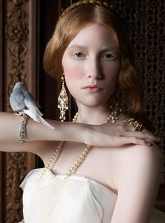 Renaissance, lady bird #photo #bird #lady #renaissance