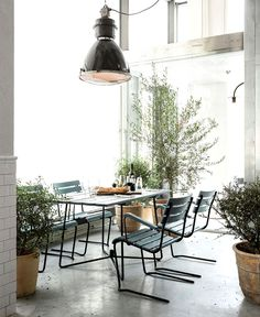 Scandinavian Inspired Minimalist Restaurant Decor - #restaurant, restaurant, #restaurantdesign,#decor, #interior, interior design