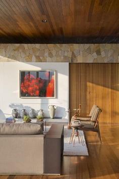 Open-Floor Family Home in Campinas Instills Peacefulness 6