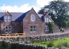 Urban Escapes in Scotland - Ghillie's Cottage