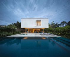 Tropical House by Studio MK27