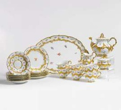 Meissen ceremonial service with flower decor and gold relief for up to 6 people #porcelain