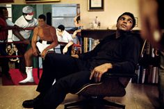 USA. Philadelphia, Pennsylvania. 1970. Muhammad ALI at home.
