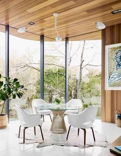 A Home Built Around a Tree / Alterstudio Architecture