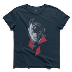 #point of view #darkblue #tee #tshirt #camera #photograph #dorothealange #lens #portrait