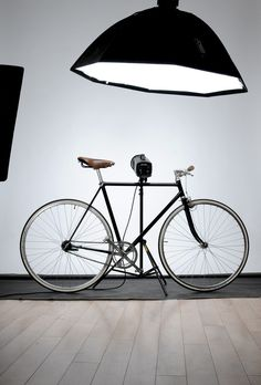 bicycle #interior #atelier #bicycle #fixed #nest #in #matej #office #black #the #kukucka #kitchen #brooks