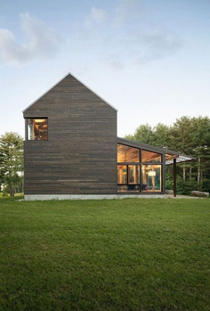 Family Farmhouse Built With Salvaged Materials from an Antique Barn 1