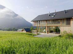 A Wonderful Retreat in Austria by Hohensinn Architektur