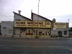 2010 04 27 07.52.51.jpg (2048×1536) #factories #structure #roofs #architecture #sawtooth