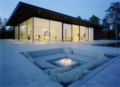 CJWHO ™ (Modern Lake House by John Robert Nilsson Overby...)