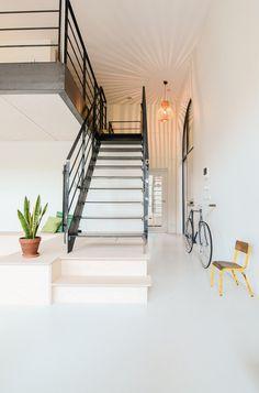 Ons dorp by Standard Studio. #standardstudio #staircase #entryway #mezzanine #minimalist