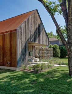 Linder House is Inspired by the Historic Texas Blackland Prairie Homestead 2