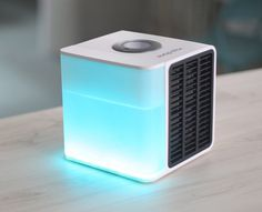 Evapolar creates personal microclimate suitable just for you - enjoy this eco-friendly desktop personal air conditioner device. #productdesi