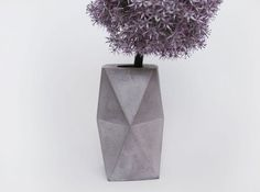 Geometrical concrete vase, by FrauKlarer #vase #concrete #cement #concretevase #minimalist #geometrical