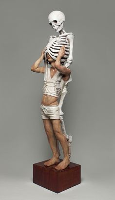 Yoshitoshi Kanemaki Memento Mori #man #skeleton #sculpture #wood