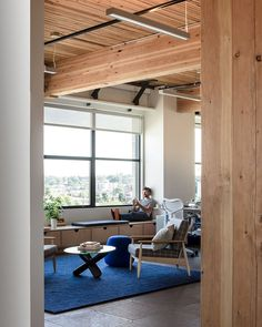 Simple Offices in Portland / Hacker Architects