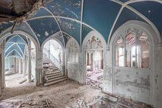 Mirna Pavlovic Documents The Decline of Grand European Villas