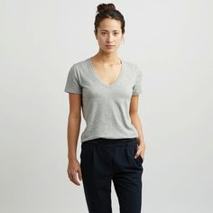 The Women's V - Heather Grey – Everlane