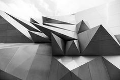 All sizes | manuel.martin 1 | Flickr - Photo Sharing! #white #black #geometric #architecture #and