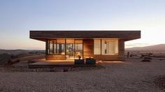 Elemental House / Off-Grid Under a Big Hard Sun