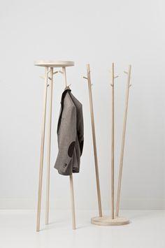 Twist coat rack (Robert Bronwasser) | 165 x Ø 45cm (h x w x d) …