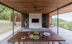 Sonoma weeHouse - Prefabricated House Consisting of Two Minimalist Open-Sided Boxes 4
