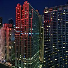 tumblr_lcz7pxN12p1qzejjso1_500.jpg 500×500 pixels #night #tall #building #architecture