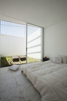 Cisura House by Manuel Cucurell + Sebastián Virasoro #minimalist