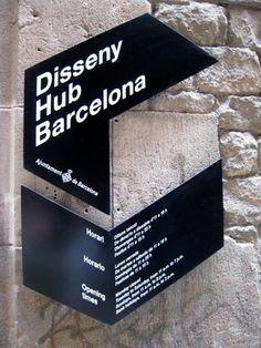 ez travel circo: Sign Design / Barcelona #ss