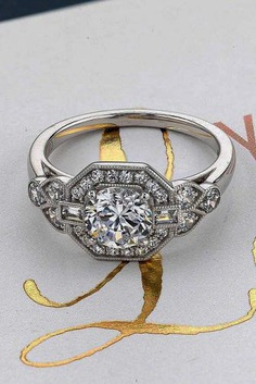 Vintage engagement ring has elegant and romantic shape with sophisticated enchanting details that will be stunning on her finger.