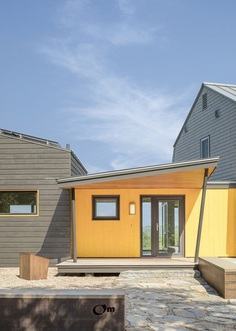 Gambrel-Roofed Home Renovated by Kaplan Thompson Architects 8