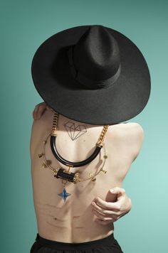 Diamond, back pics #tattoo #photography #diamond #necklace