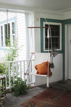 DIY Hanging Lounge Chair @themerrythought