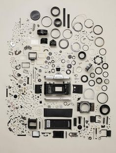 3NaFm.jpg (JPEG Image, 888x1173 pixels) - Scaled (77%) #camera #photography #studio #pentax #parts #disassembled