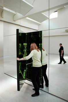Swing to Infinity Inside Thilo Franks Mirrored Room #mirror #cube #room #installation