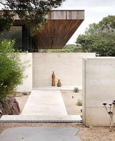 Layer House by Robson Rak Architects