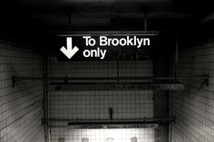 Sara Lindholm #subway #brooklyn #typography