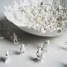whiteclosetop.jpg 1000×1000 pixels #sculpture #normal #variations #war #bowl #on