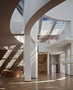 The Getty Center, Los Angeles, California. Image © Scott Frances, Courtesy of Richard Meier & Partners